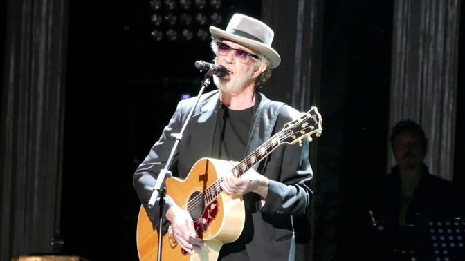Francesco De Gregori sul palco dell'Arena per il 40 anni di «Rimmel»