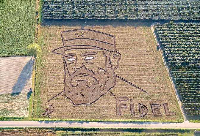 Il ritratto grande 27mila metri quadri di Fidel Castro, di Dario Gambarin