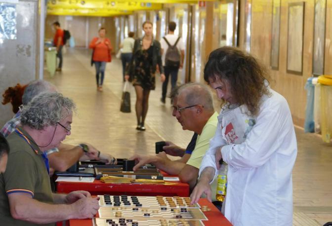 Tocatì a Verona, «Stazione in Gioco» tra dama, scacchi, backgammon e altri giochi alla stazione di Porta Nuova