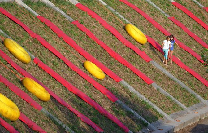 Tocatì a Verona, giardini improbabili: installazione a cura degli architetti della Lac sull'Alzaia di San Giorgio