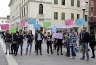 Fertility, la protesta dei centri sociali Cartelli e striscioni, guarda le foto