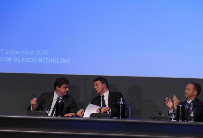 """Renzi alla Glaxo per """"Italia 4.0"""""""