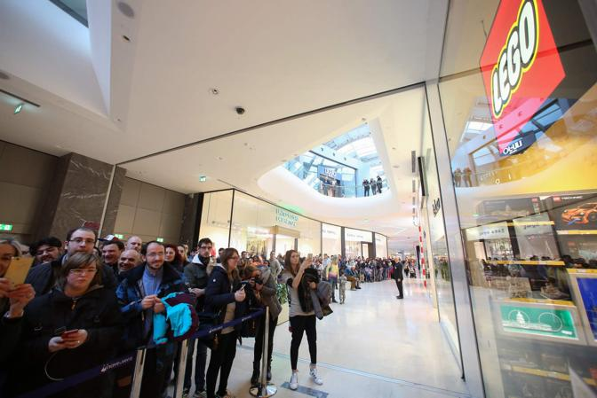 Inaugurazione del nuovo Lego Certified Store all'interno del centro commerciale Nave de Vero