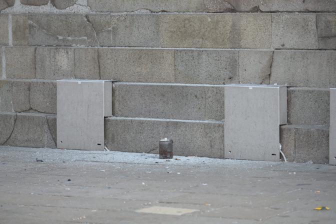 Il contenitore del fumogeno utilizzato in piazza San Marco (Andrea Pattaro/Vision)