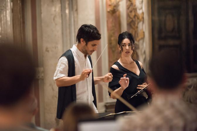 Monica Bellucci e il direttore Rodrigo De Souza, Gael García Bernal