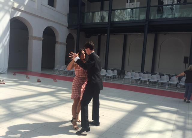 Sfilata Lions a Padova e raccolta fondi per sostenere le donne vittime di violenza: il tango di Valeria Zanette (durante le prove)