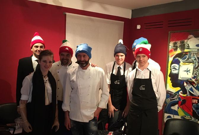 Bebe Vio con gli chef ampezzani e gli organizzatori