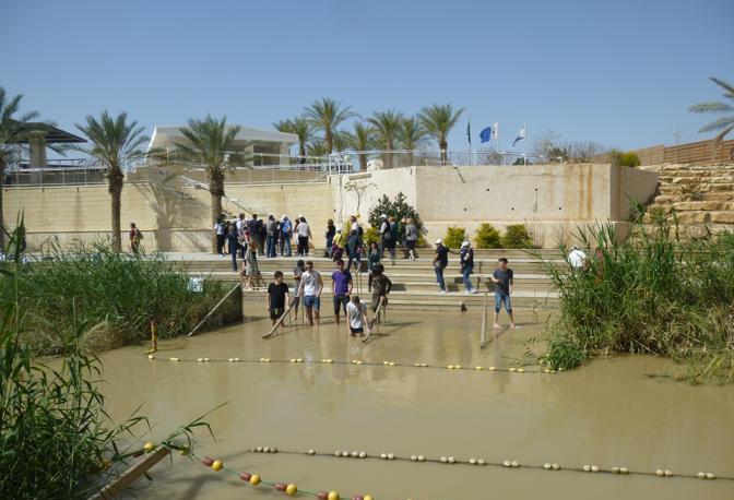 Il Giordano, fiume che divide (o unisce?) Giordania e Israele