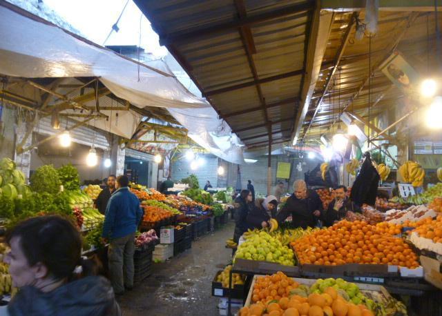 Il mercato di frutta e verdura più grande della capitale
