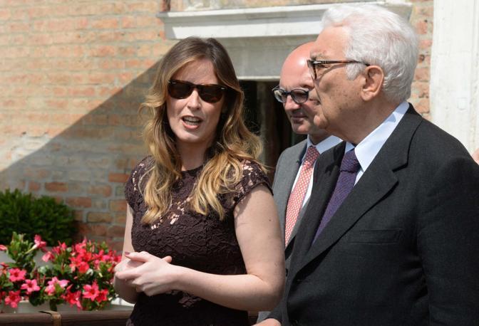 Maria Elena Boschi col presidente della Biennale Paolo Baratta