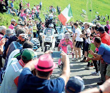 Le foto dello speciale giro d'Italia in edicola con il Corriere del Veneto e con il Corriere di Verona