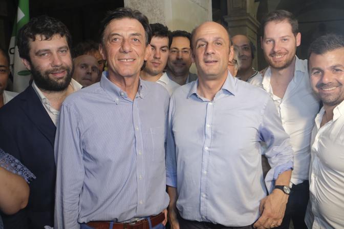 Padova, l'esultanza del sindaco eletto Sergio Giordani qui in foto con l'alleato Arturo Lorenzoni