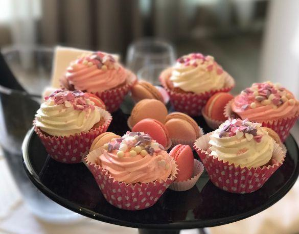 I cupcake rosa trovati in camera