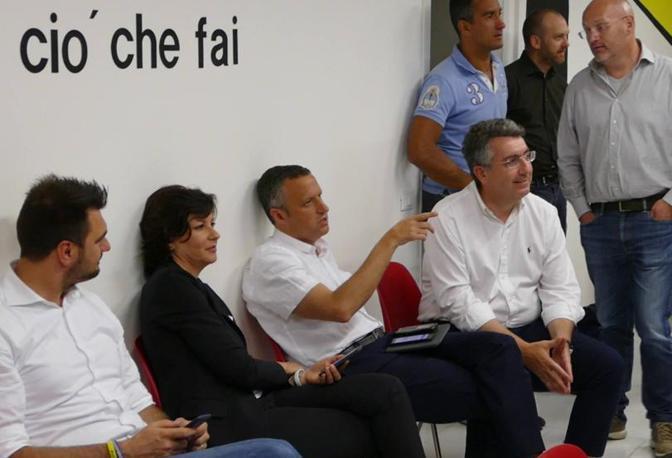 Verona La notte elettorale di Patrizia Bisinella mentre attende i risultati di voto con Flavio tosi