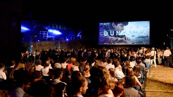 Venezia. Mostra del Cinema. Alla vigilia della giornata inaugurale l'Arsenale di Venezia ha ospitato la proiezione del film «Dunkirk». Scritto, diretto e co-prodotto da Christopher Nolan. Ambientato durante la Seconda guerra mondiale, il film racconta dell'evacuazione di Dunkerque