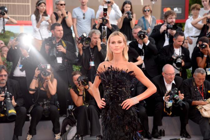 Mostra del Cinema, la cerimonia di apertura. Renata Querlen  sul red carpet