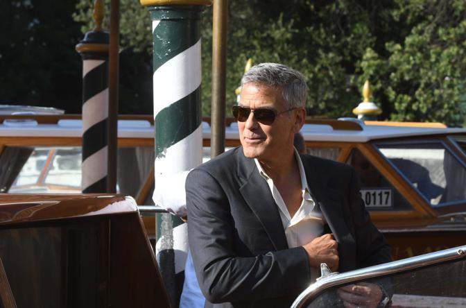 George Clooney è al Lido per presentare il suo ultimo film Suburbicon
